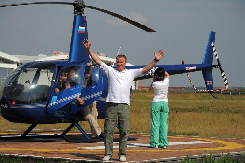 Полет на вертолете в подарок в спб 73