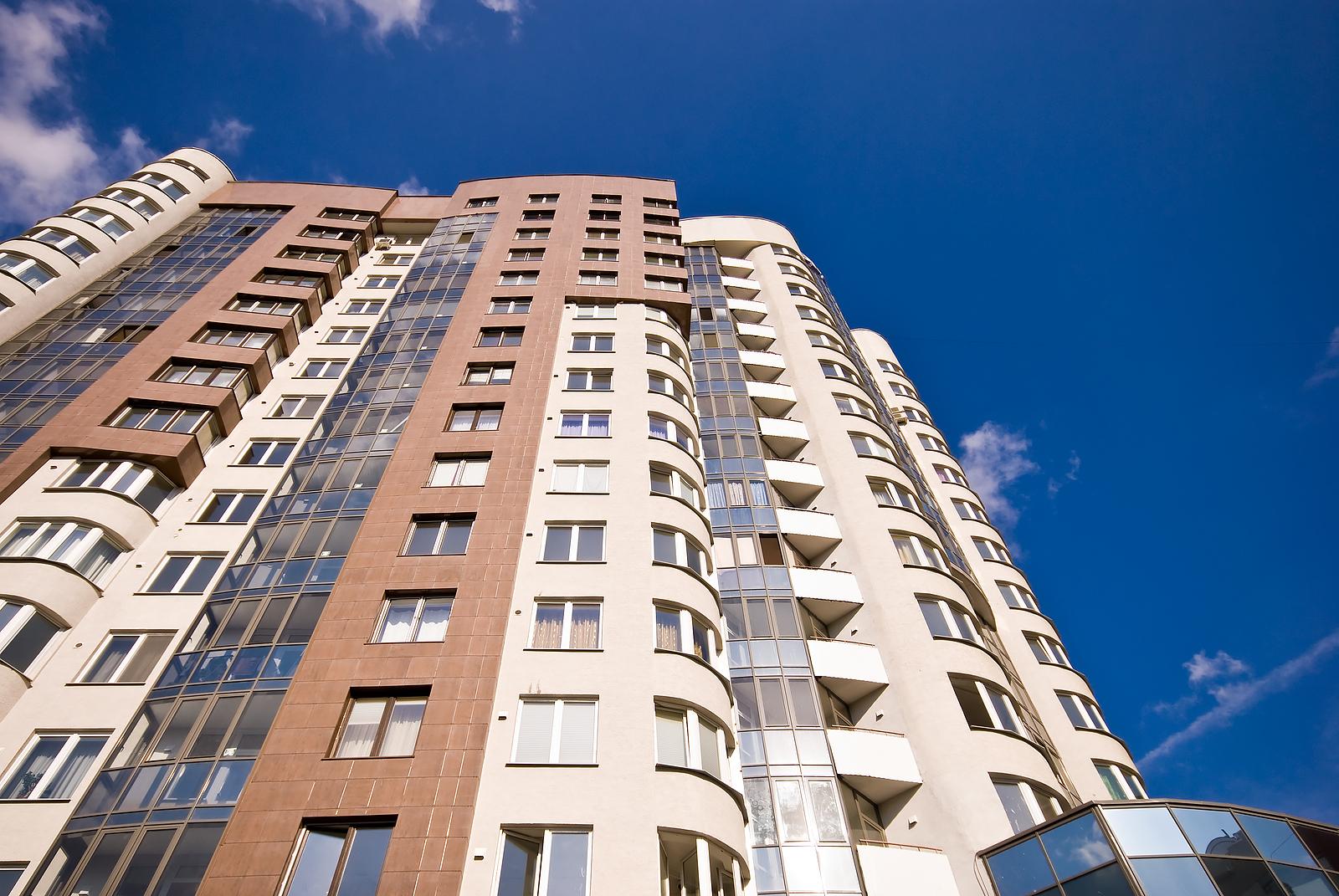 Где занимаются приватизацией жилья в Минске?